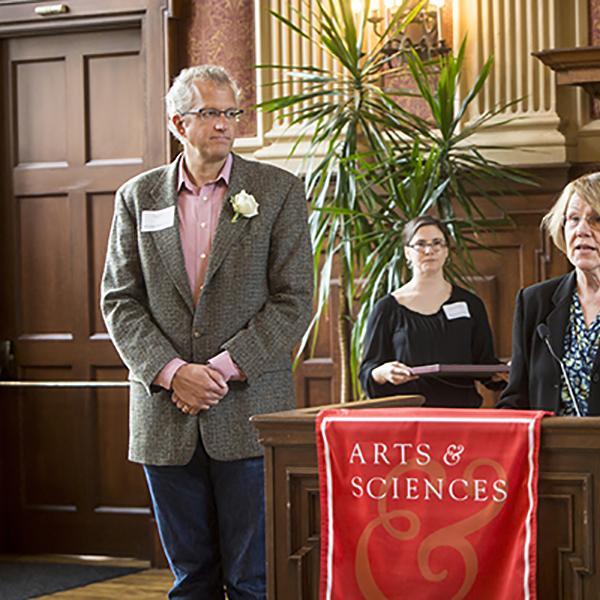 Eric Brown Receives Arts & Sciences Distinguished Teaching Award